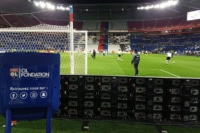 Adhésivage du robot d'accueil de la fondation Olympique Lyonnais