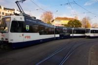 Adhésivage du tramway de Genève