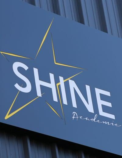 Enseigne Ecole de danse Shine-Academie