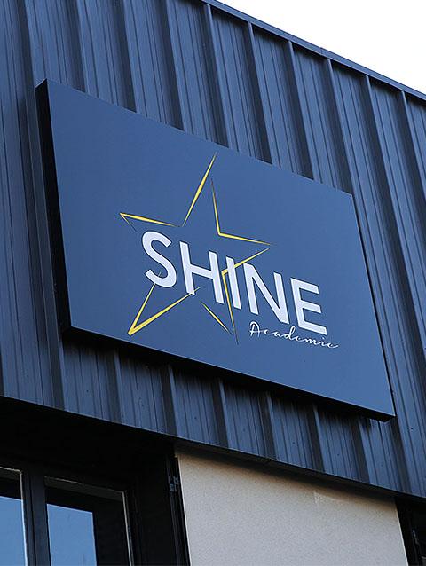 Enseigne lumineuse pour entreprise à Lyon