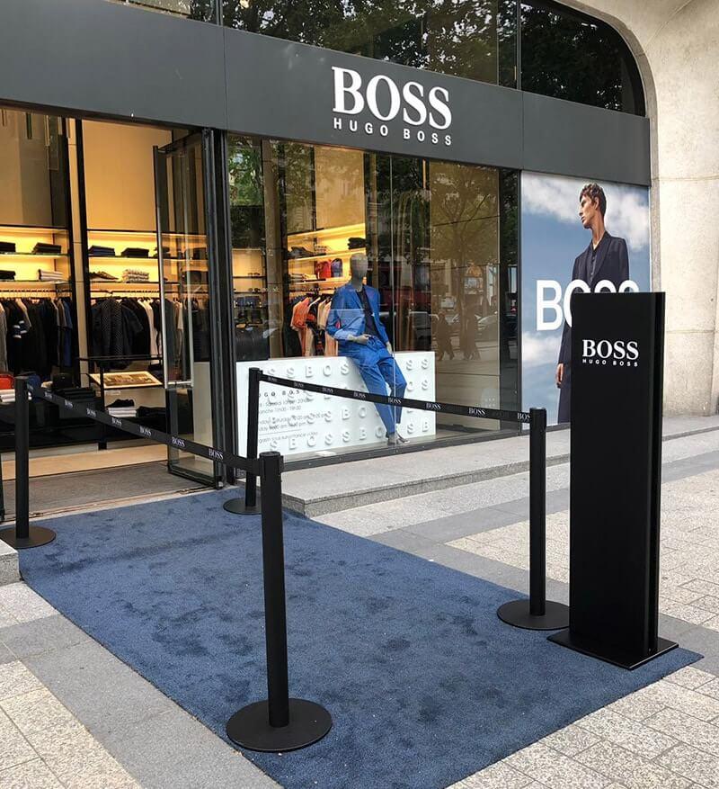Signalétique extérieure de l'enseigne Hugo Boss à Paris